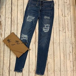 American Eagle Jegging distressed size 2 AMAZING!!